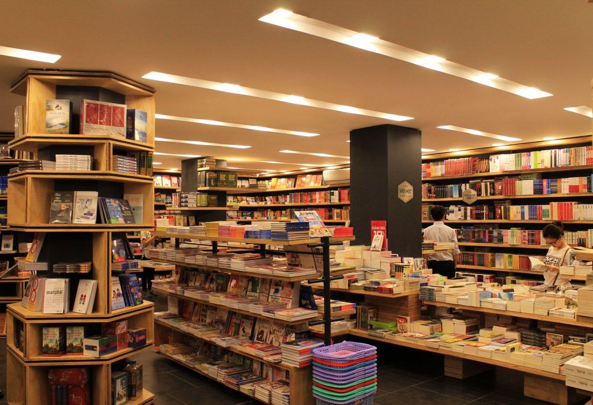 Bạn - người yêu sách, nên thử đến những nhà sách giảm giá này!